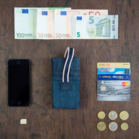 "Upcycling Handyhülle für iPhone 5 + 5S aus 100% Jeansstoff ""ALL IN ONE"" - Bild 4"