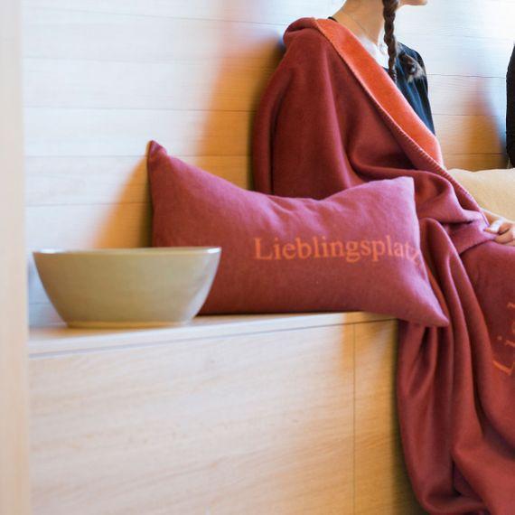 "SILVRETTA Kissenhülle ""Lieblingsplatz"" 40 x 60 cm aus Baumwolle - Bild 4"